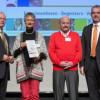 Lehrerkongress der chemischen Industrie: Zwei herausragende Persönlichkeiten ausgezeichnet / Tausenden Schülern den Spaß an Naturwissenschaften vermittelt (FOTO)