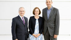 Prof. Dr. Heinz-Walter Große als HessenChemie-Vorsitzender wiedergewählt / Staatssekretär Dr. Nimmermann besucht Mitgliederversammlung des Arbeitgeberverbandes HessenChemie (FOTO)